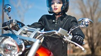 Women-motorcycle-200